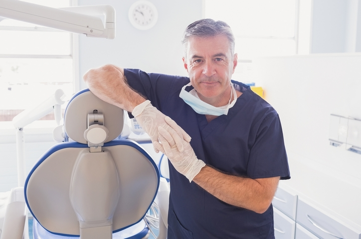 Dentist Career: 9 Pros and Cons of Being a Dentist